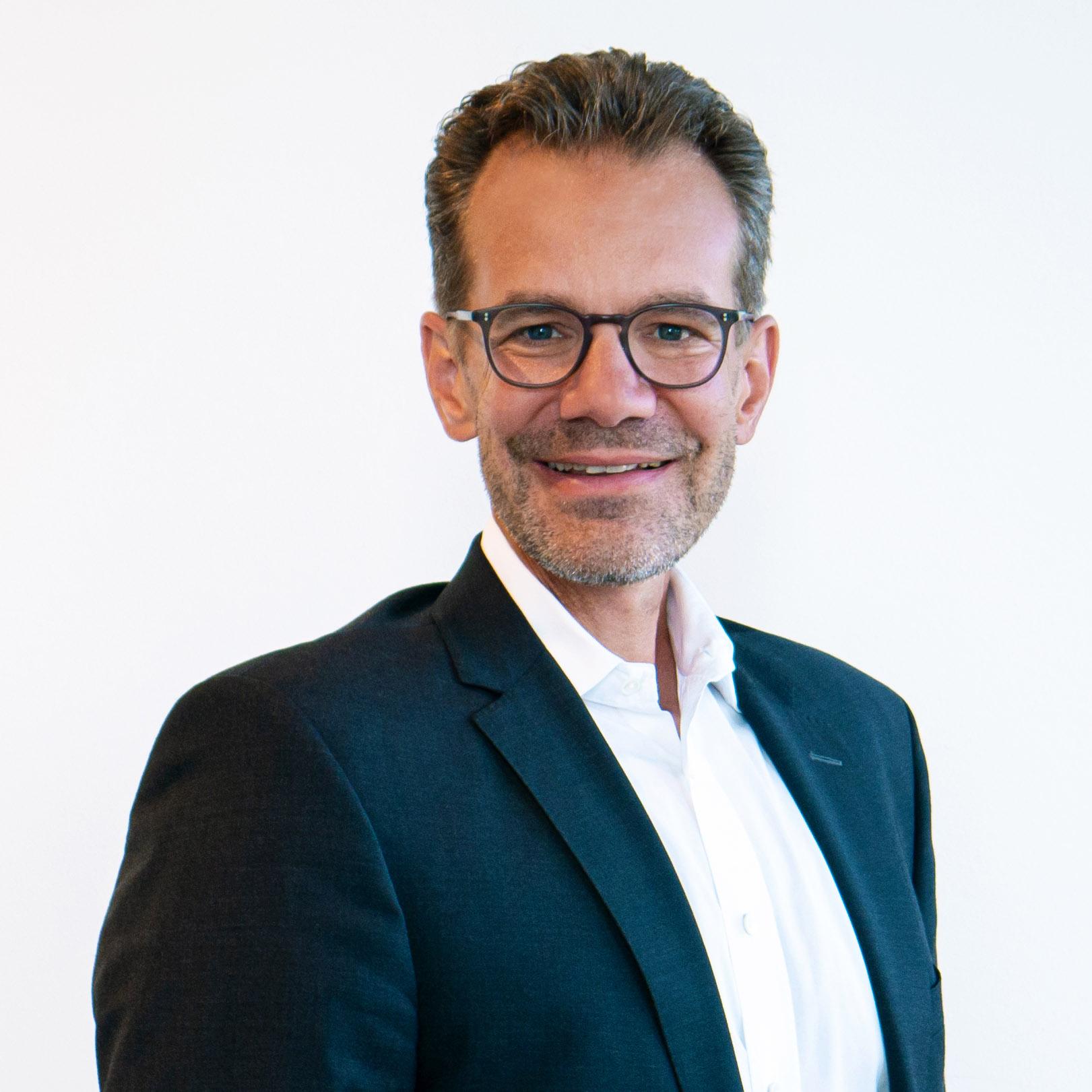 Dr. Rainer Seßner